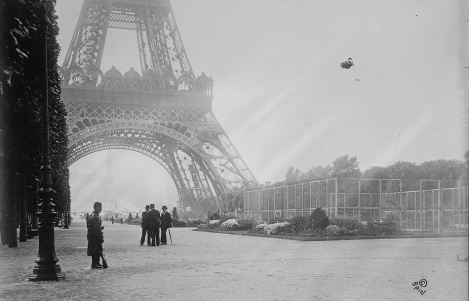 Parigi: madame la Tour Eiffel, superstar d'alta quota